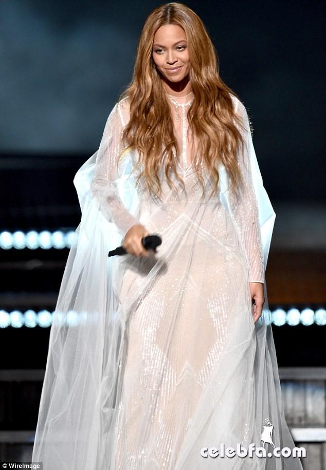 Beyonce-Grammys (8)