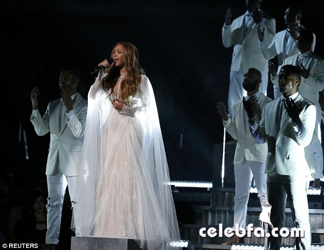 Beyonce-Grammys (9)