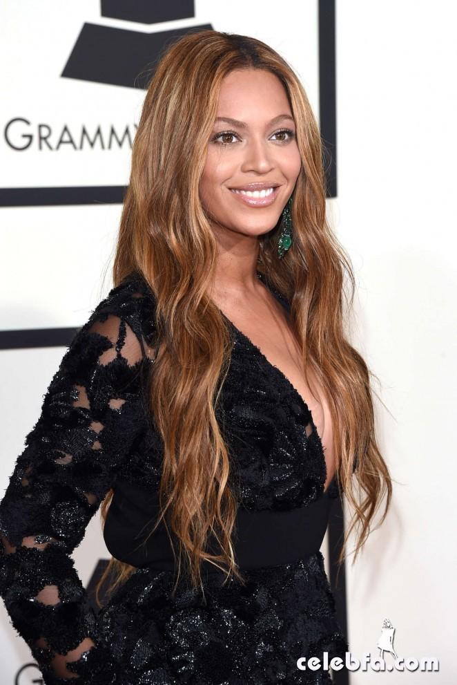 Beyonce_-2015-GRAMMY-Awards (4)