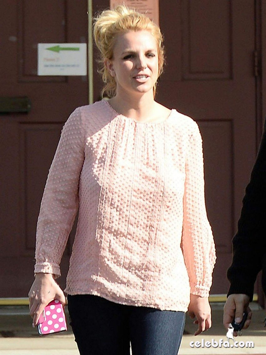 britney-spears-street-style-out (1)