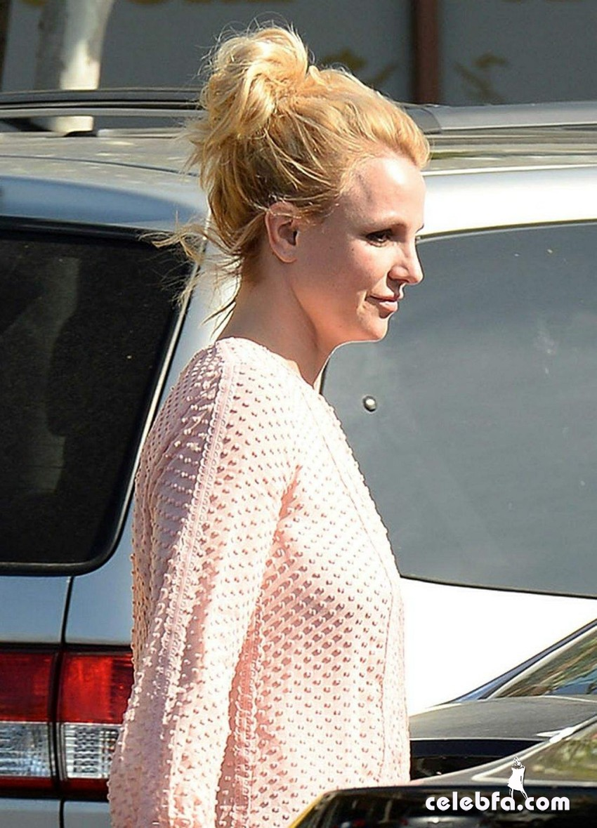 britney-spears-street-style-out (3)