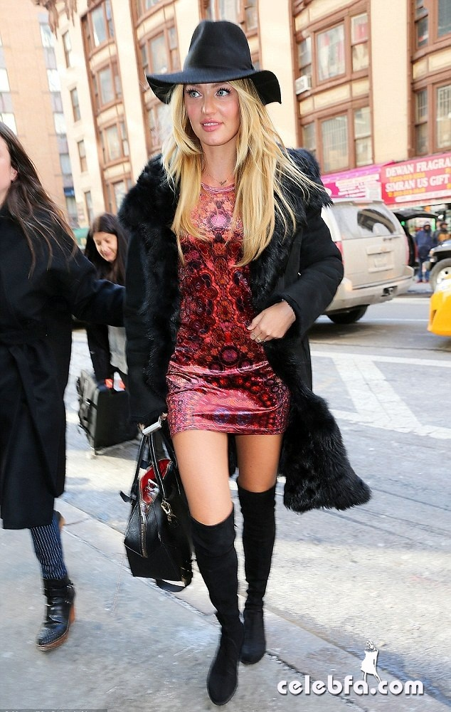 candice-swanepoel-out-in-new-york (1)