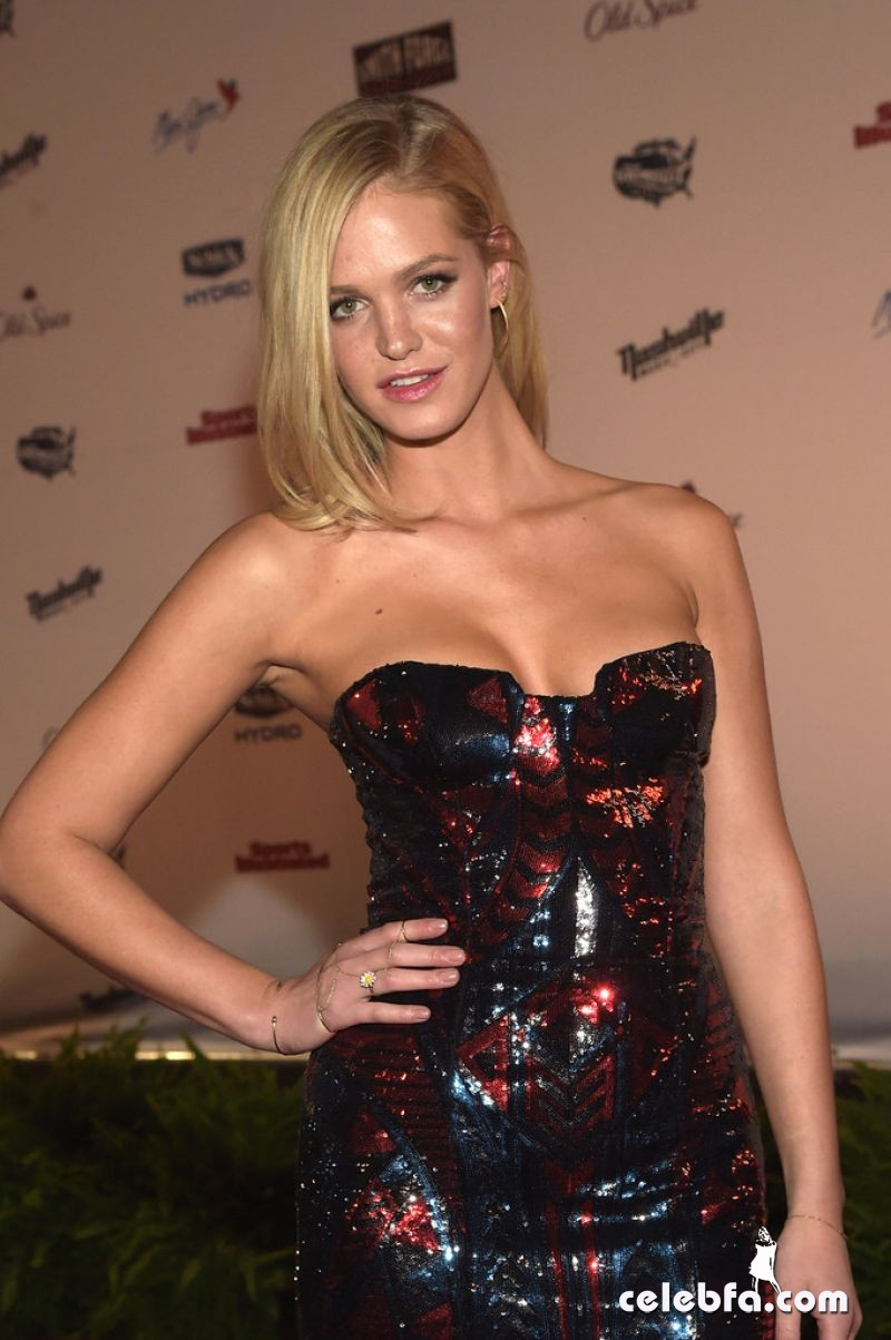 erin-heatherton-si-swim-2015-event (3)