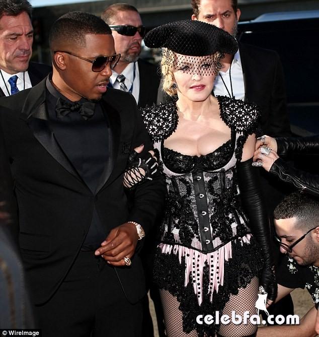 Grammys-2015-Madonna (10)
