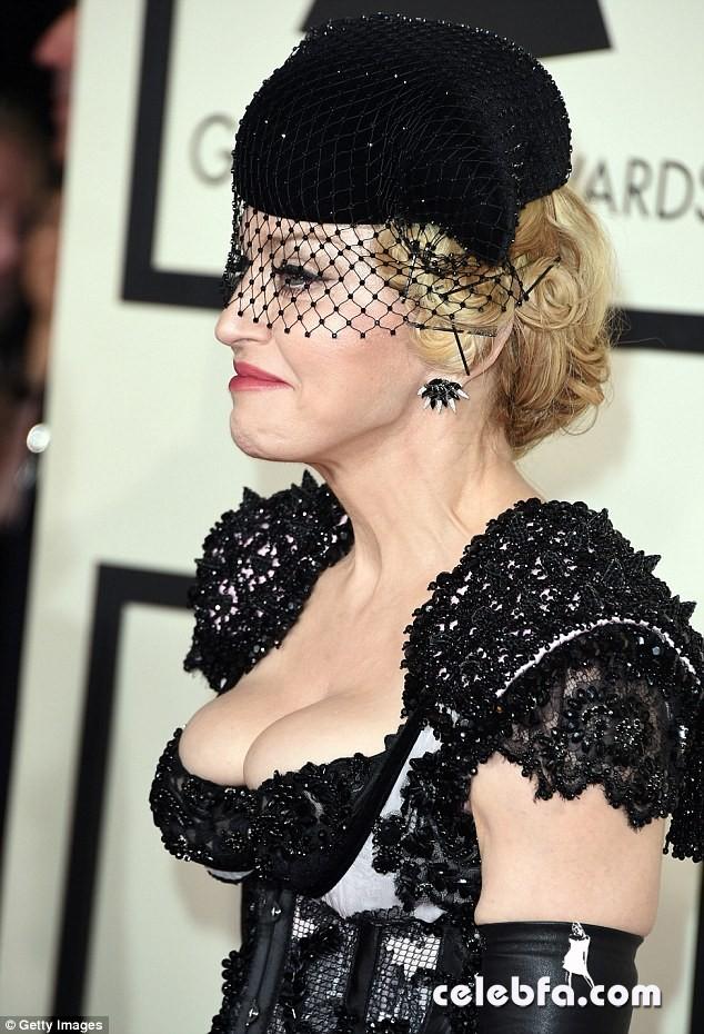 Grammys-2015-Madonna (14)