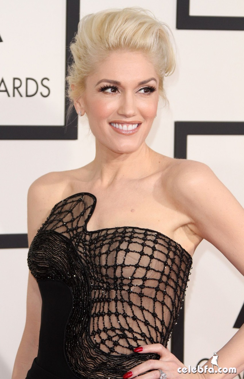 gwen-stefani-2015-grammy-awards (1)