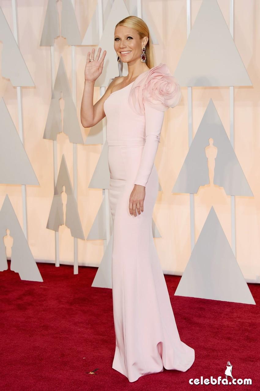 gwyneth-paltrow-2015-oscars-red-carpet (2)