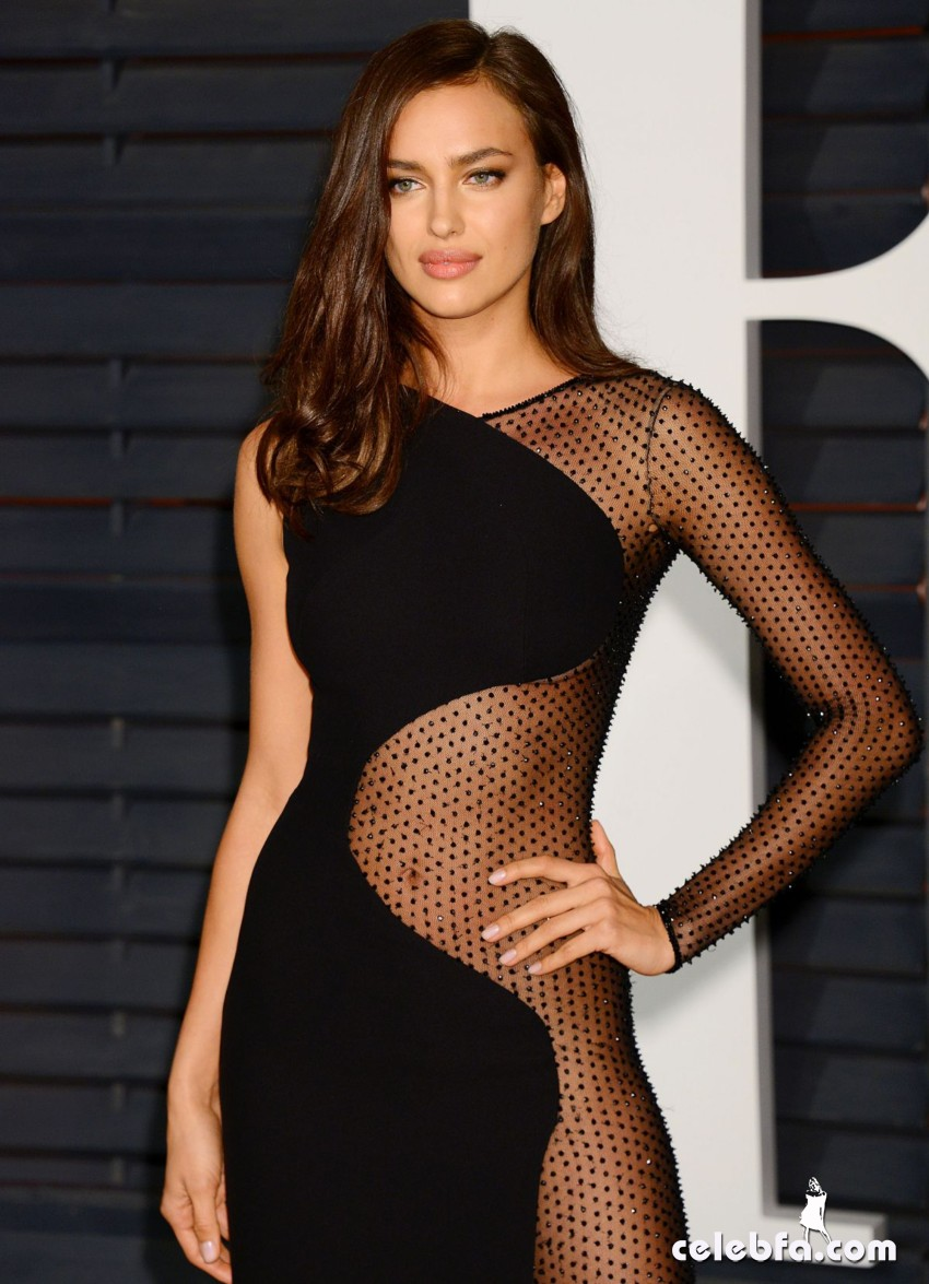 irina-shayk-at-vanity-fair-oscar-party (11)