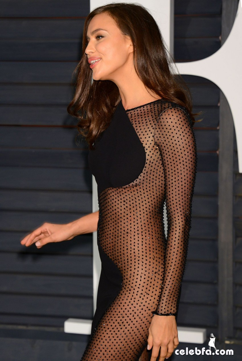 irina-shayk-at-vanity-fair-oscar-party (13)