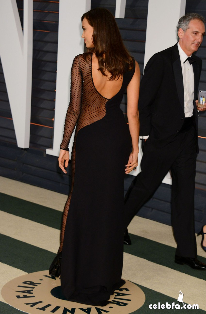 irina-shayk-at-vanity-fair-oscar-party (8)