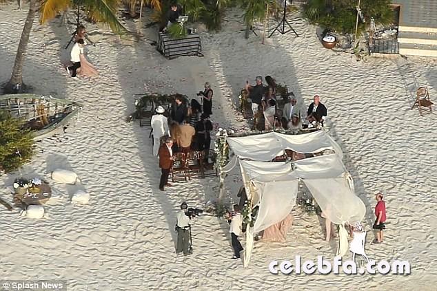 Johnny-Depp-Amber-Heard-wedding (12)