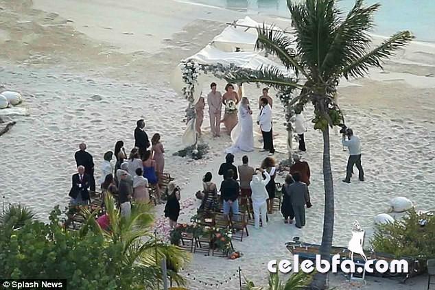 Johnny-Depp-Amber-Heard-wedding (2)