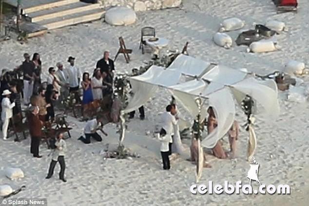 Johnny-Depp-Amber-Heard-wedding (7)