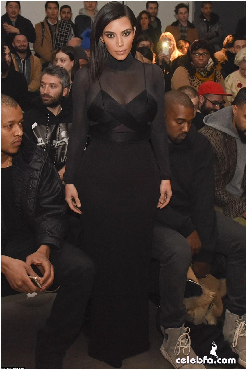 Kim Kardashian- Alexander Wang's show (13)