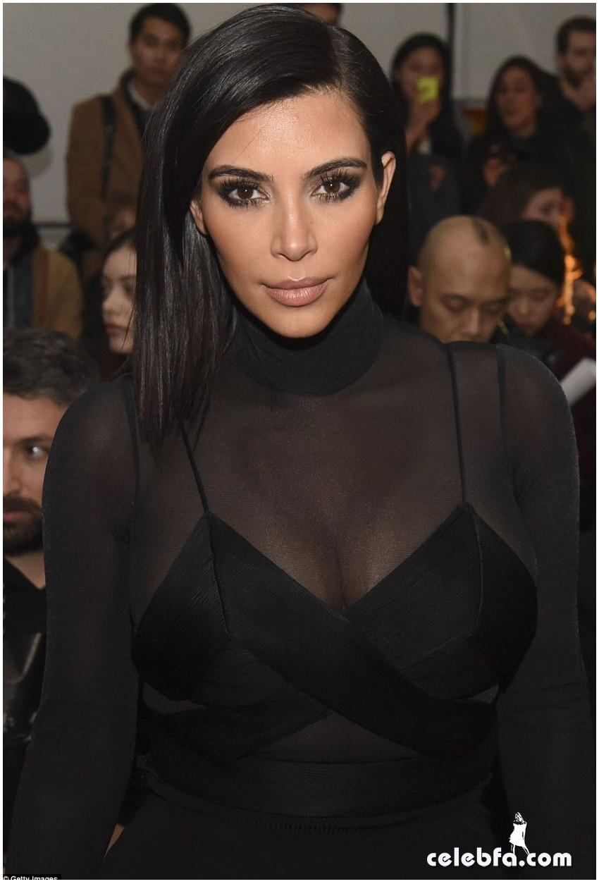 Kim Kardashian- Alexander Wang's show (14)