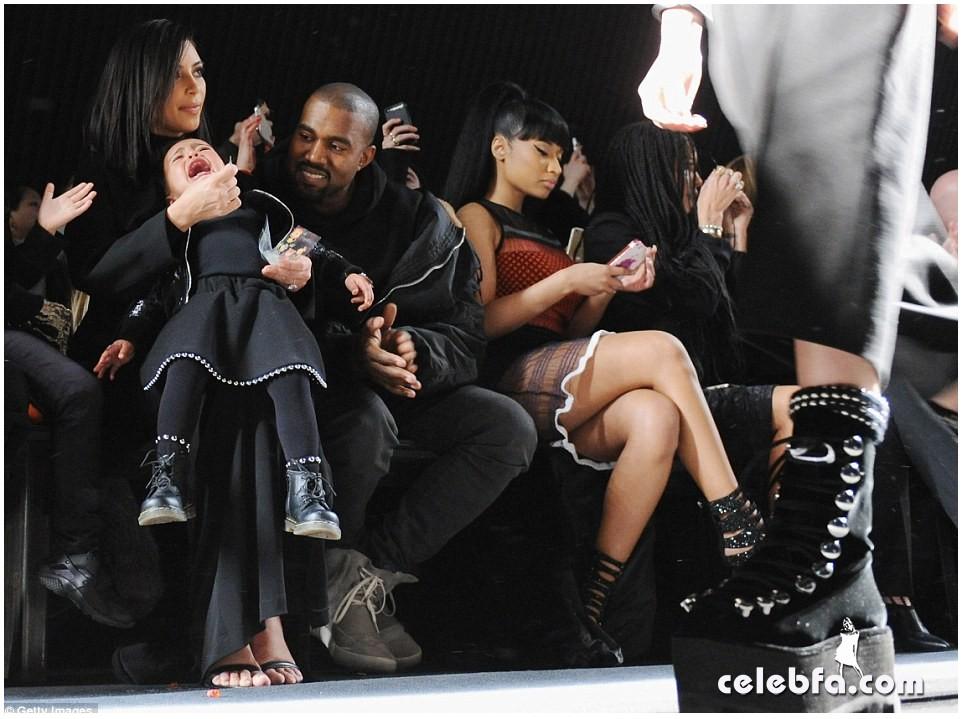 Kim Kardashian- Alexander Wang's show (4)