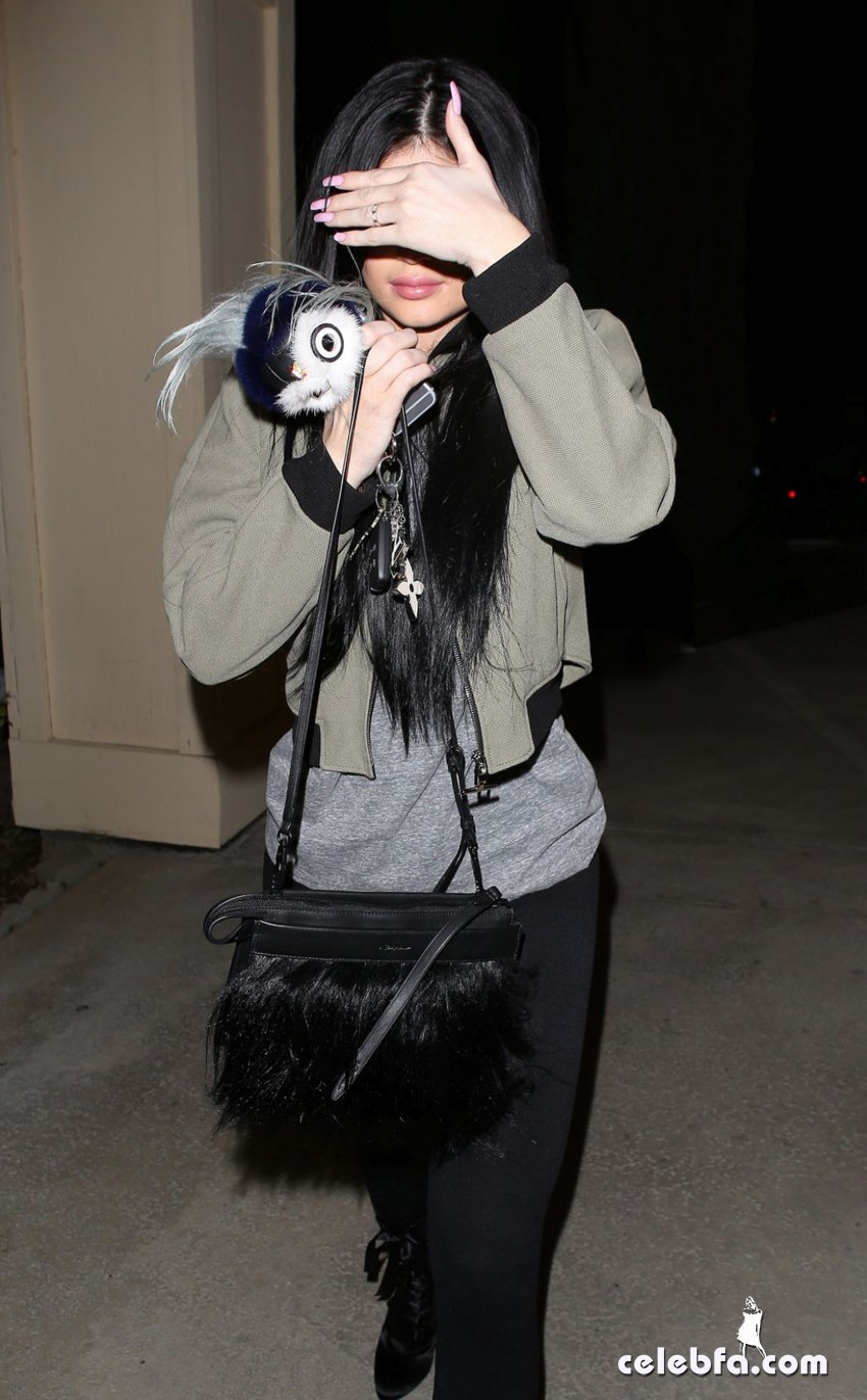 kylie-jenner-los-angeles-feb (5)