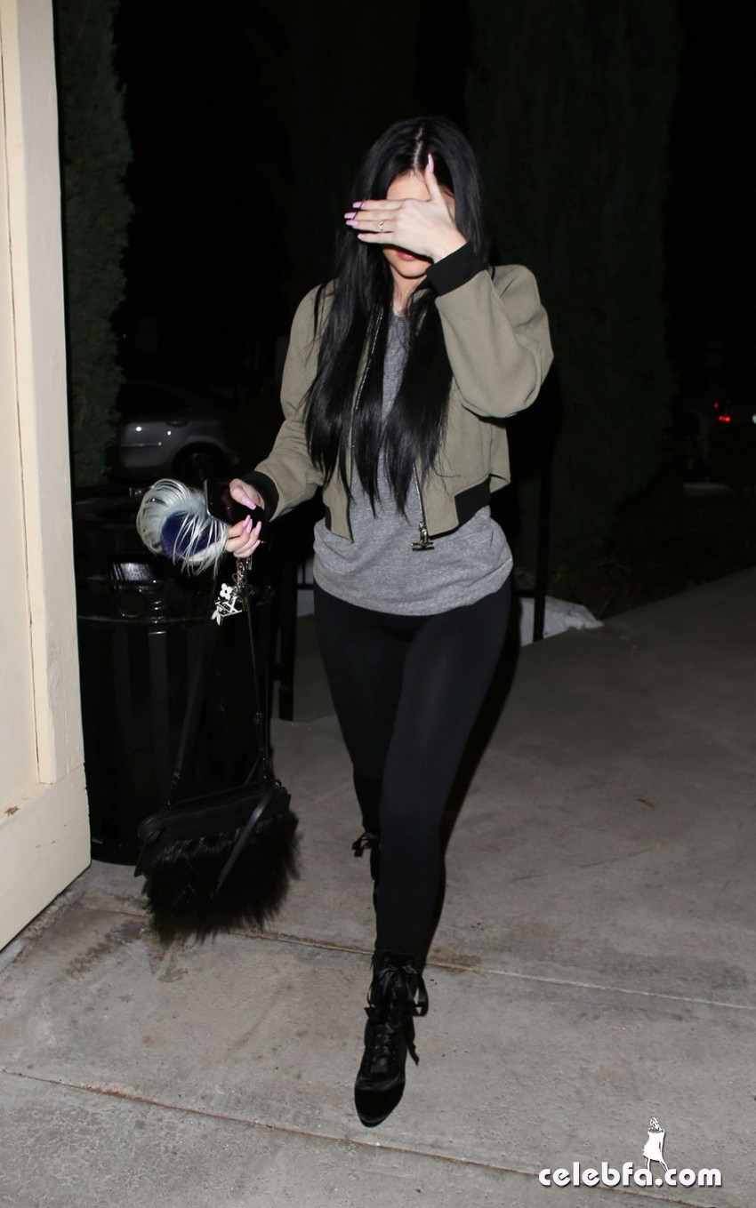 kylie-jenner-los-angeles-feb (6)