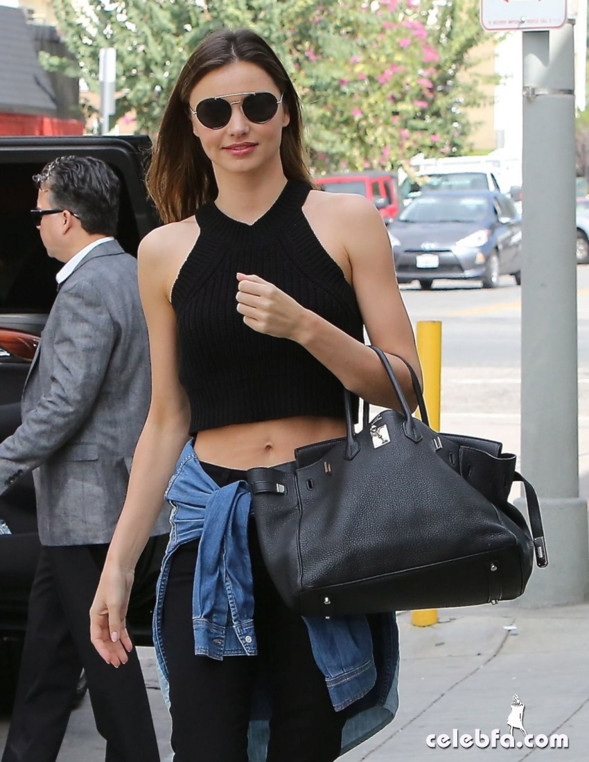 miranda-kerr-out-and-about-in-santa-monica (3)