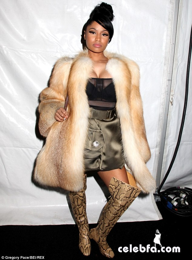 Nicki-Minaj-NYFW-Marc-Jacobs (2)