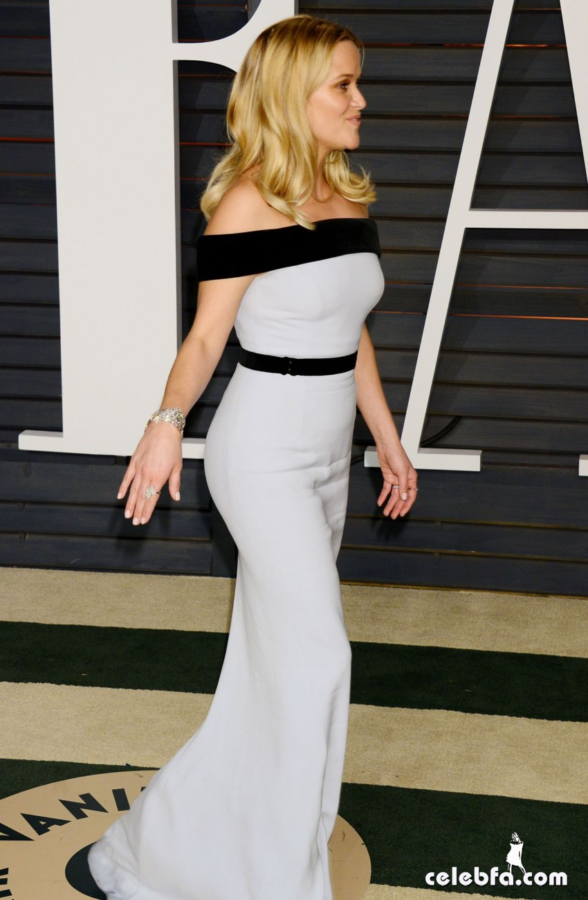 reese-witherspoon-at-vanity-fair-oscar-party-in-hollywood_13
