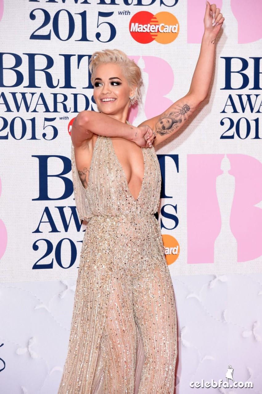 rita-ora-at-brit-awards-2015-in-london (9)