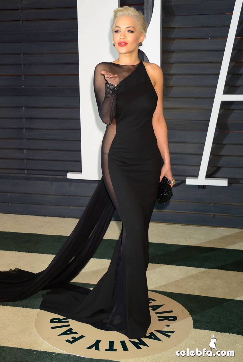 rita-ora-at-vanity-fair-oscar-party (10)