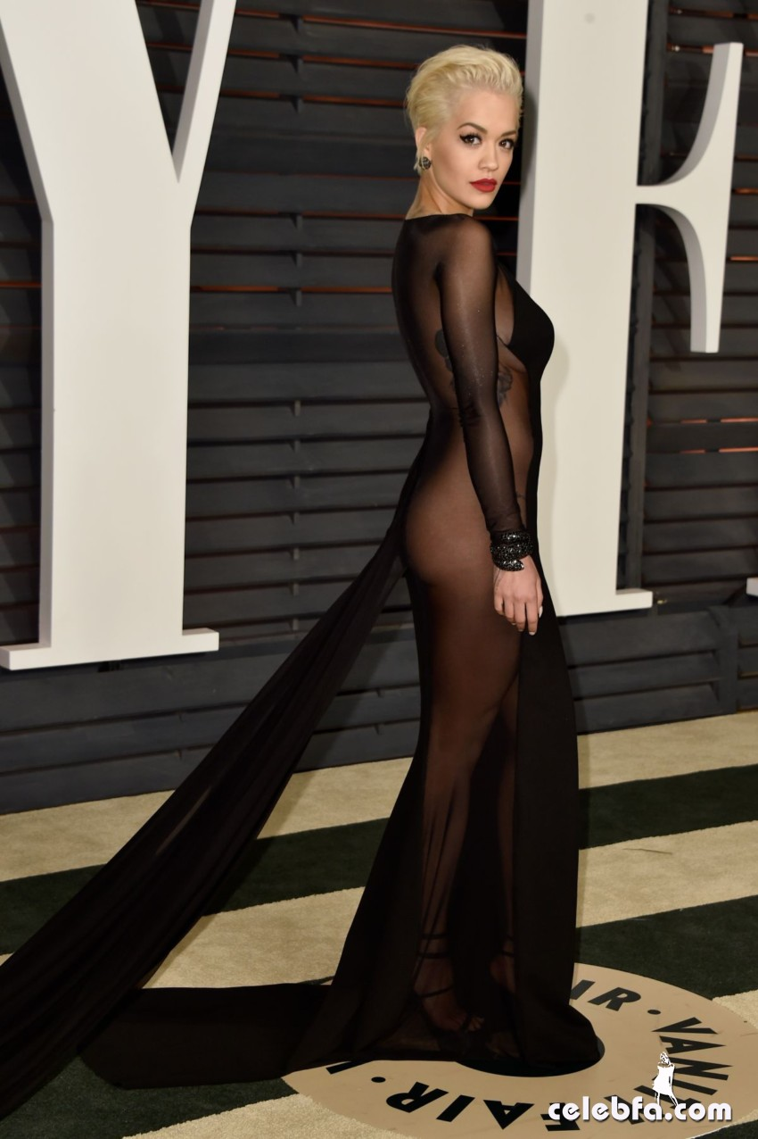 rita-ora-at-vanity-fair-oscar-party (2)