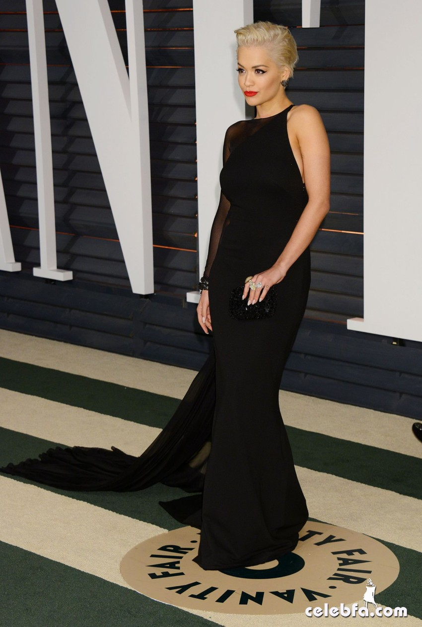 rita-ora-at-vanity-fair-oscar-party (7)