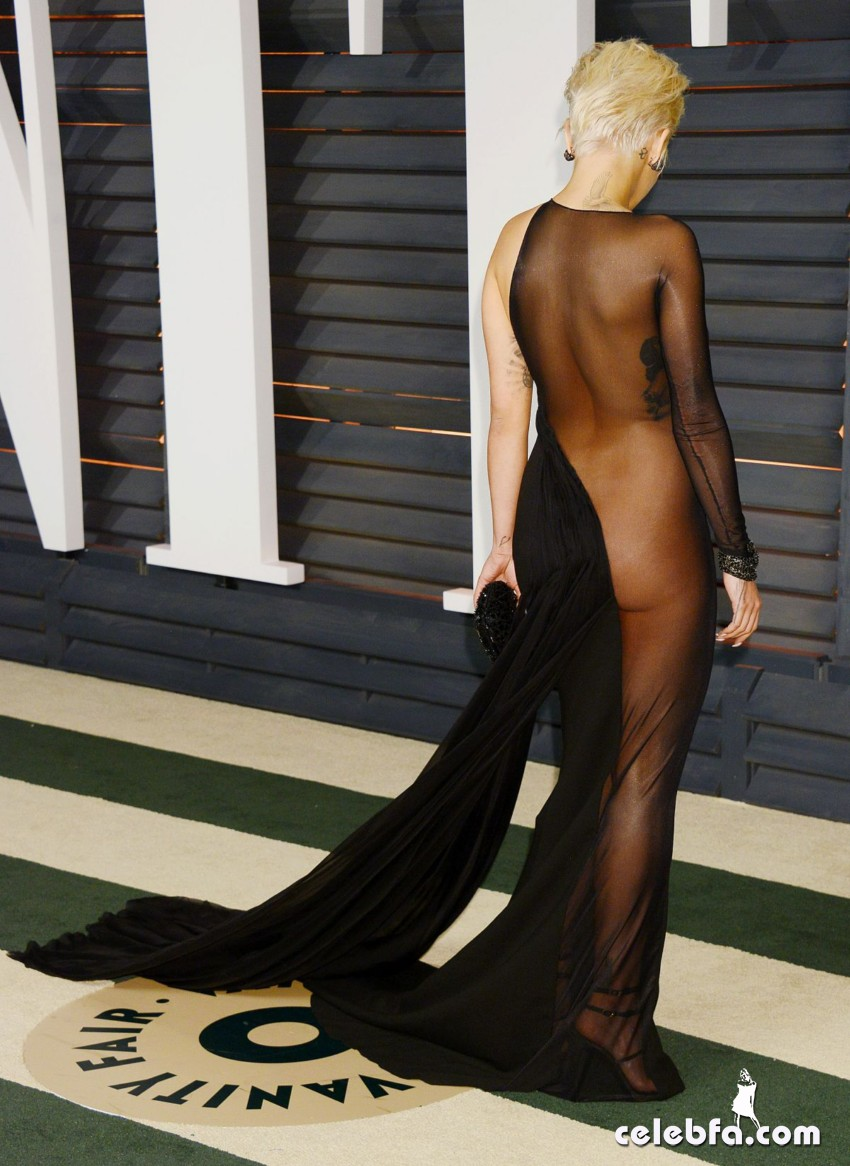 rita-ora-at-vanity-fair-oscar-party (8)