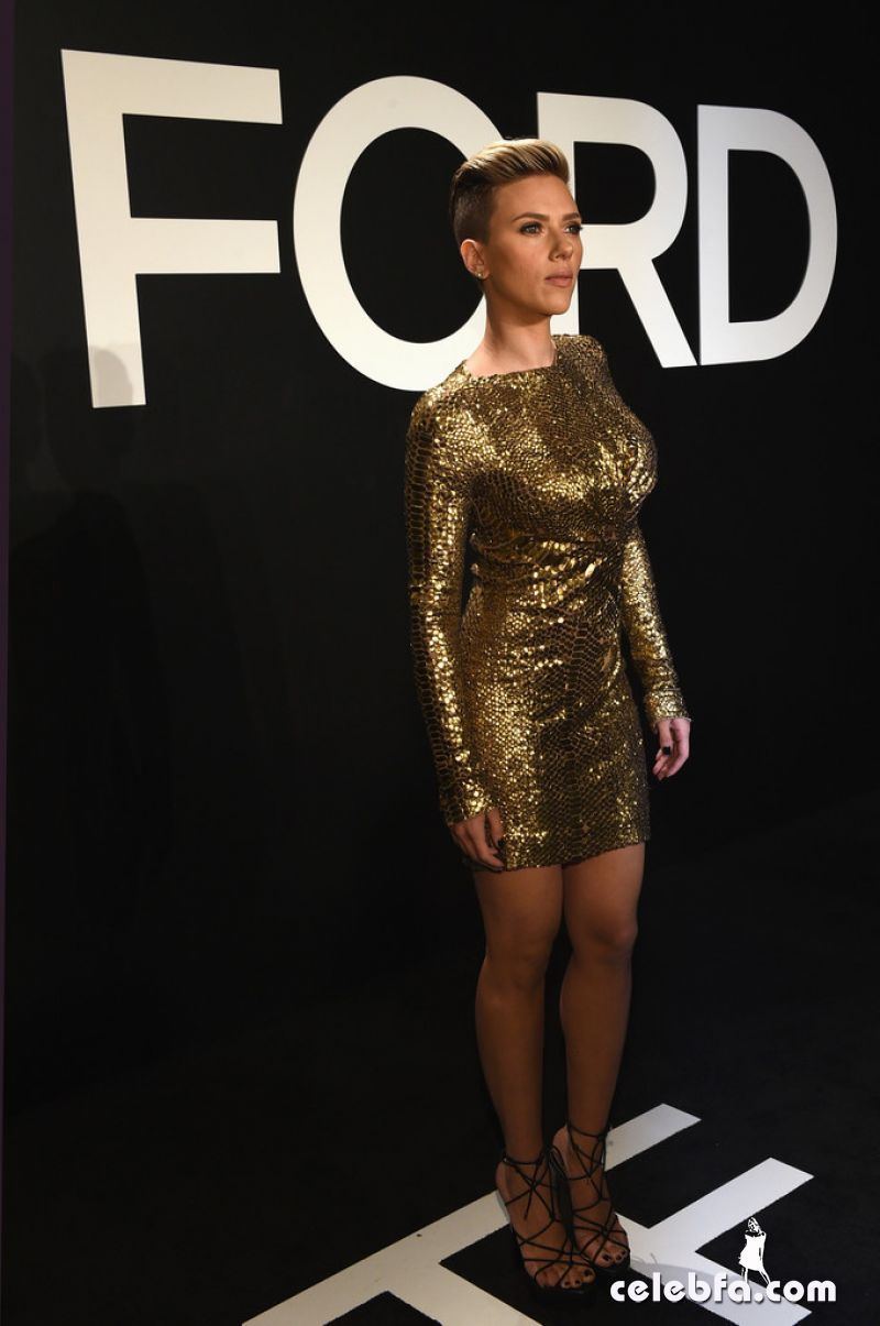 scarlett-johansson-tom-ford-autumn-winter-2015-womenswear-collection (2)