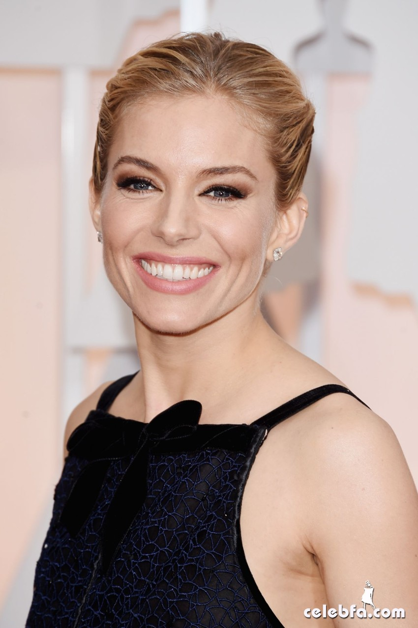 sienna-miller-2015-oscars-red-carpet (1)
