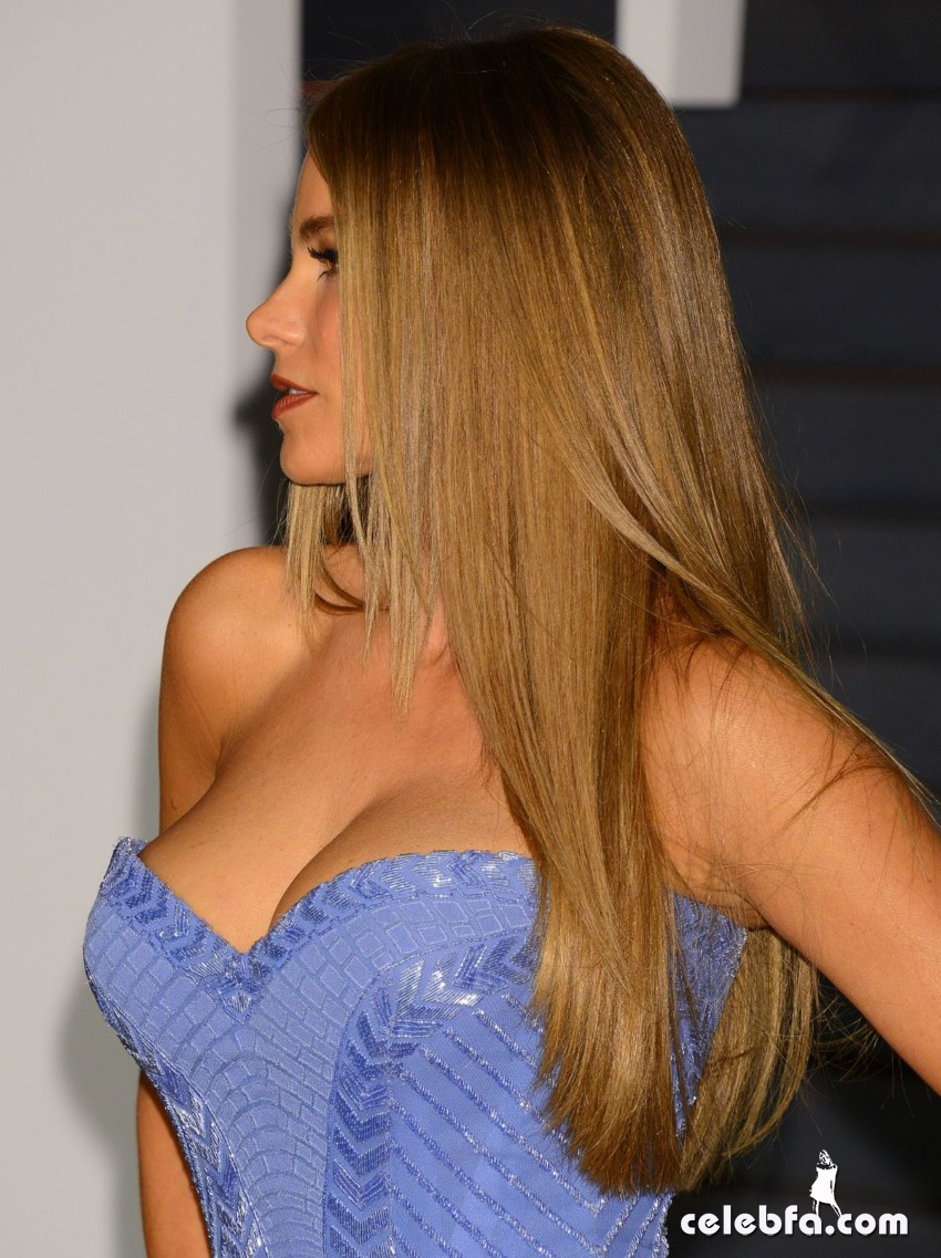 sofia-vergara-at-vanity-fair-oscar-party (3)