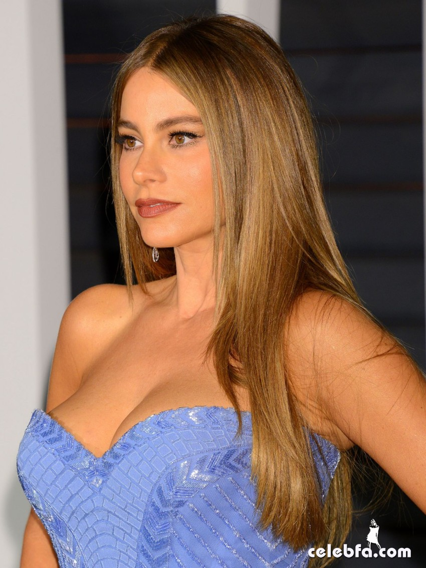sofia-vergara-at-vanity-fair-oscar-party (4)