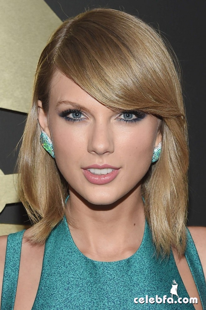 Taylor-Swift_-2015-GRAMMY-Awards (1)