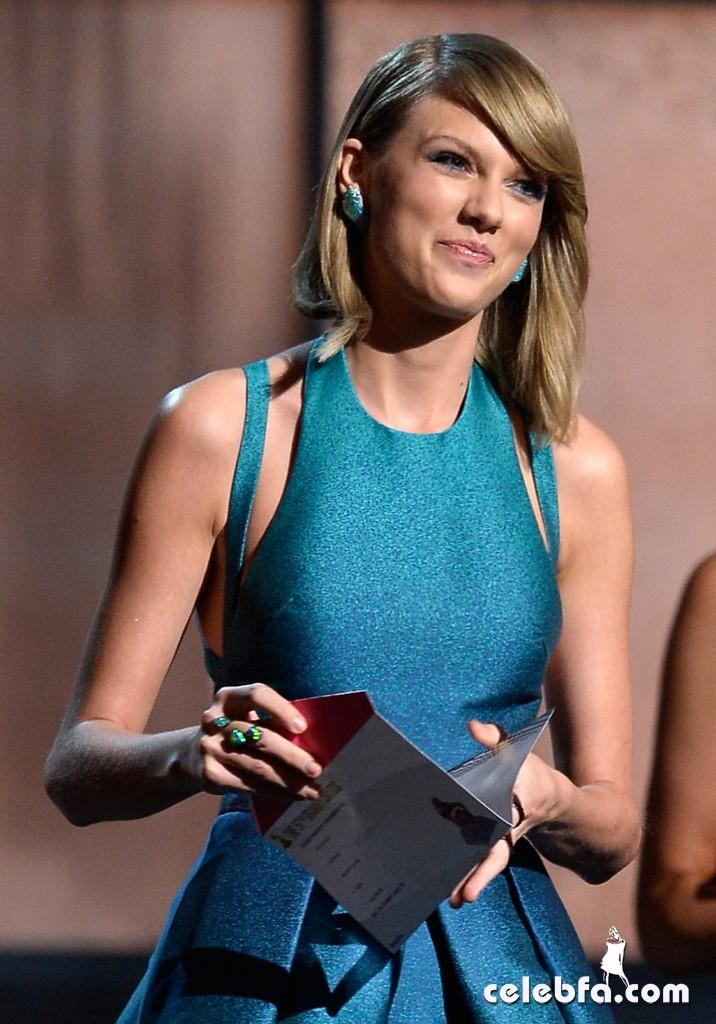 Taylor-Swift_-2015-GRAMMY-Awards (8)