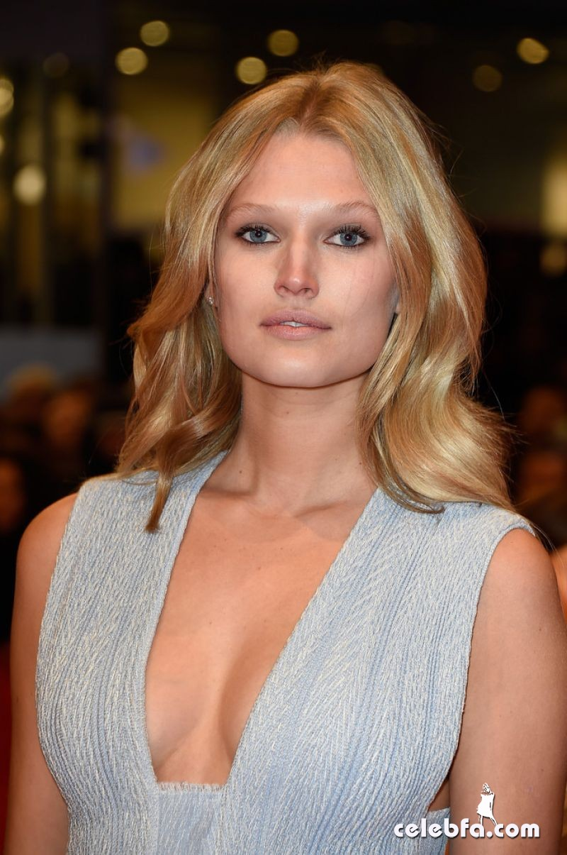 toni-garrn-nobody-wants-the-night-premiere-at-2015-berlinale-international-film-festival_1
