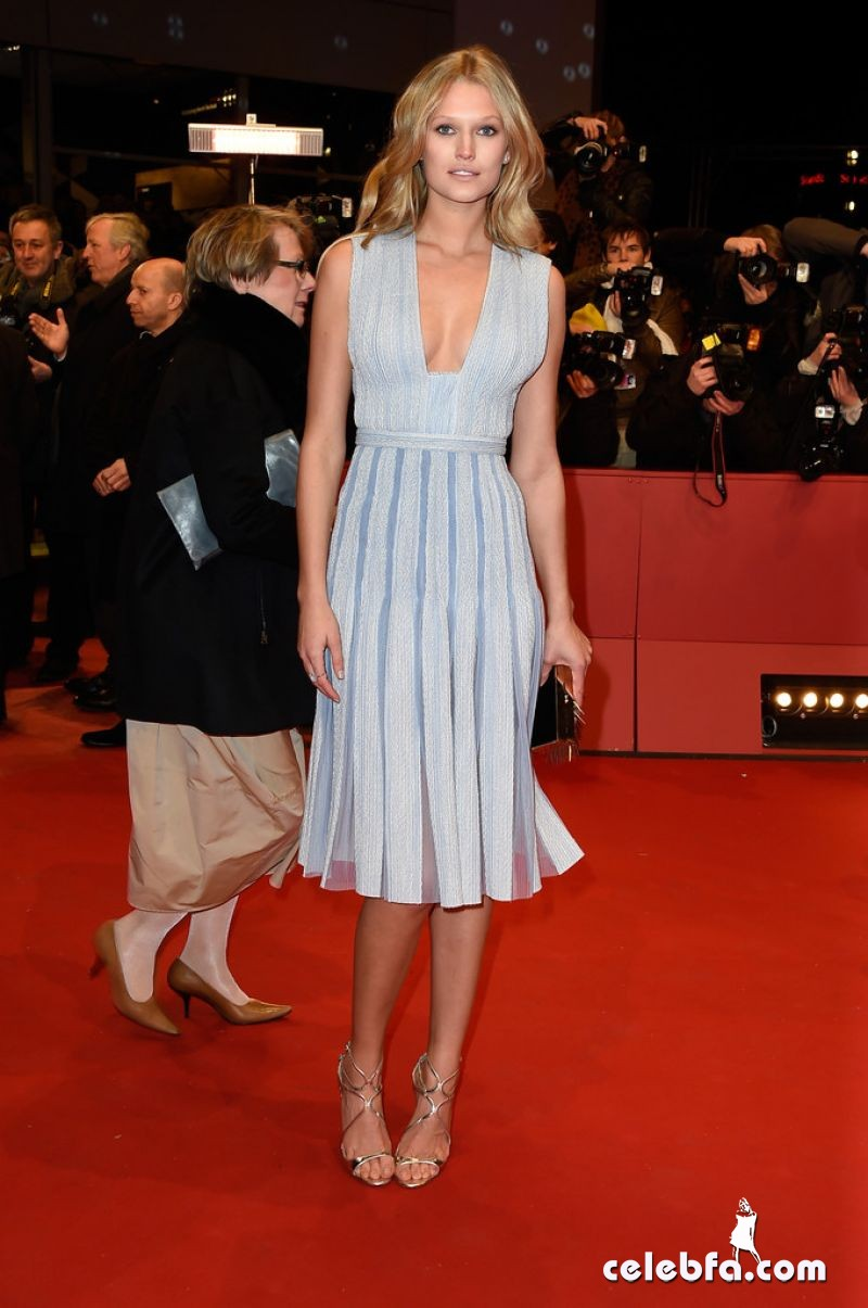 toni-garrn-nobody-wants-the-night-premiere-at-2015-berlinale-international-film-festival_5
