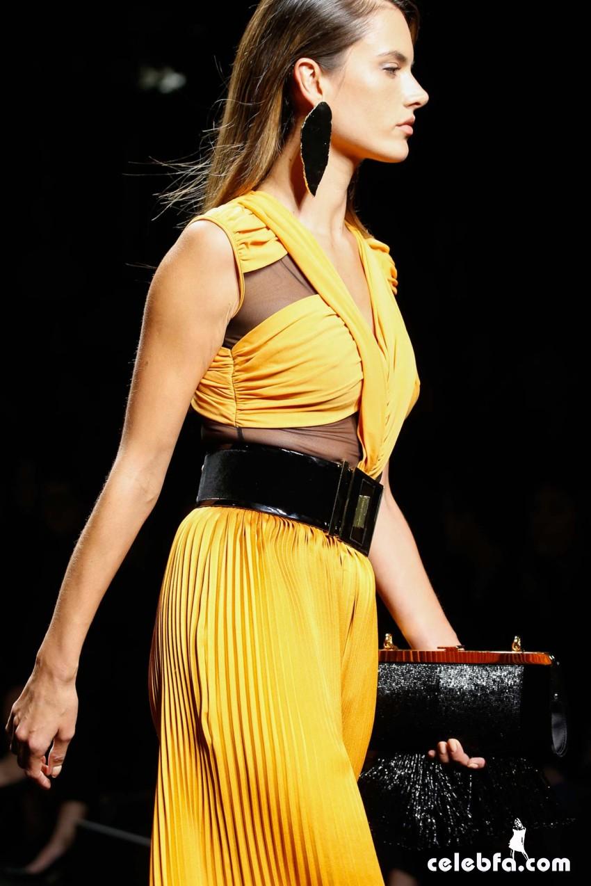 عکس های الساندرا آمبروسيو در شو Balmain Fashion Show هفته مد پاریس