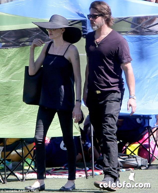 Angelina Jolie & Brad Pitt (1)
