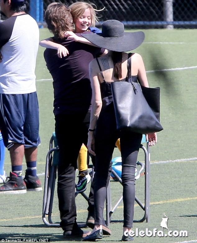 Angelina Jolie & Brad Pitt (12)