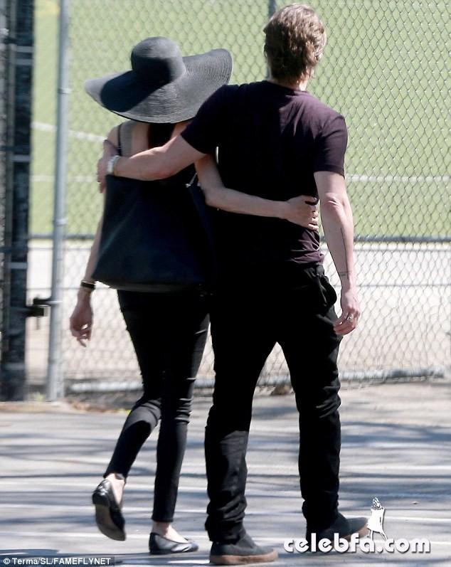 Angelina Jolie & Brad Pitt (13)