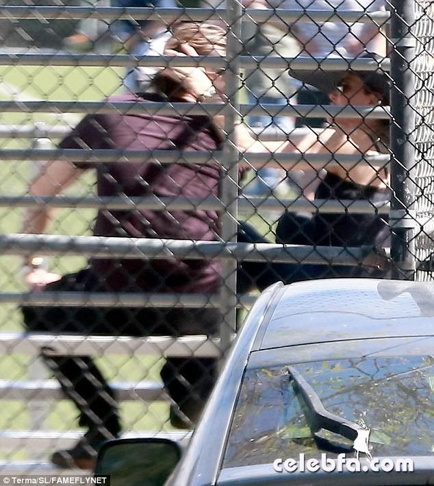 Angelina Jolie & Brad Pitt (3)