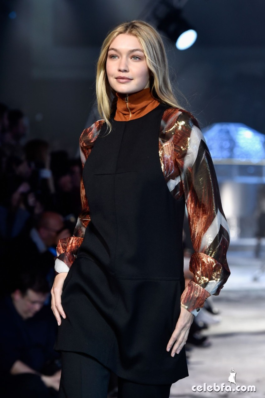 gigi-hadid-h-m-fashion-show-in-paris (4)