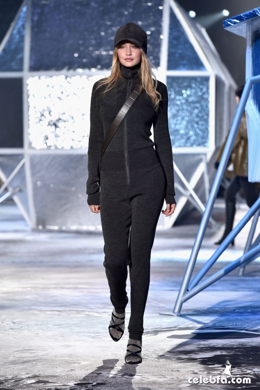gigi-hadid-h-m-fashion-show-in-paris (5)