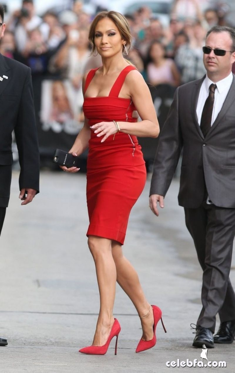 jennifer-lopez-arrives-at-jimmy-kimmel-live-in-hollywood (5)