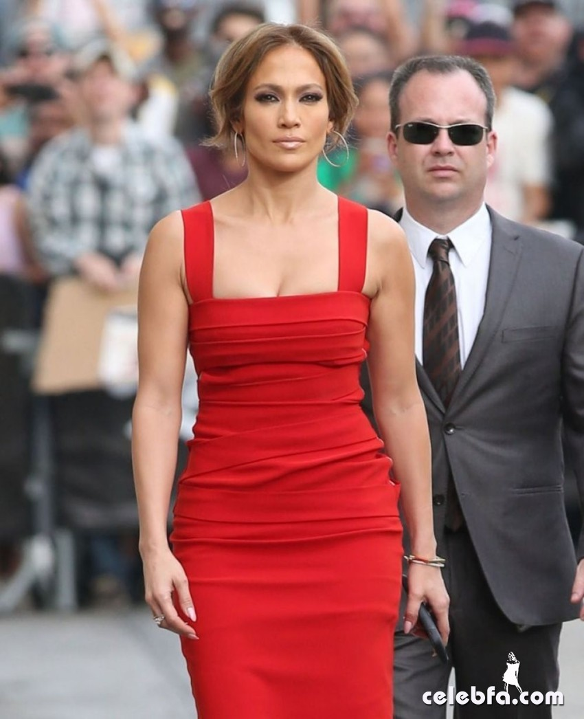jennifer-lopez-arrives-at-jimmy-kimmel-live-in-hollywood (9)