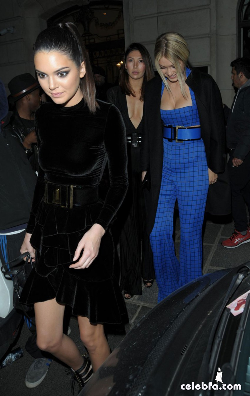 KENDALL JENNER and GIGI HADID Out for Dinner