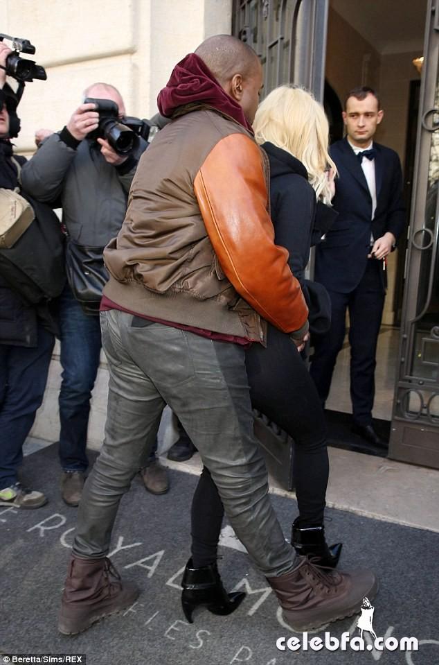 Kim-Kardashian-Kanye-Paris (11)