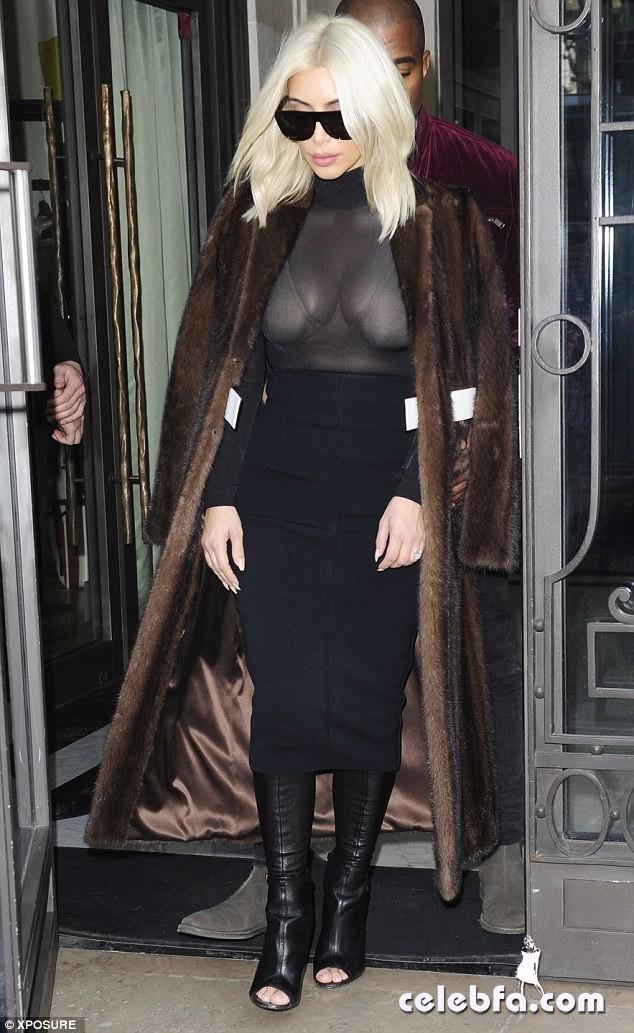 Kim-Kardashian-s-cleavage (3)